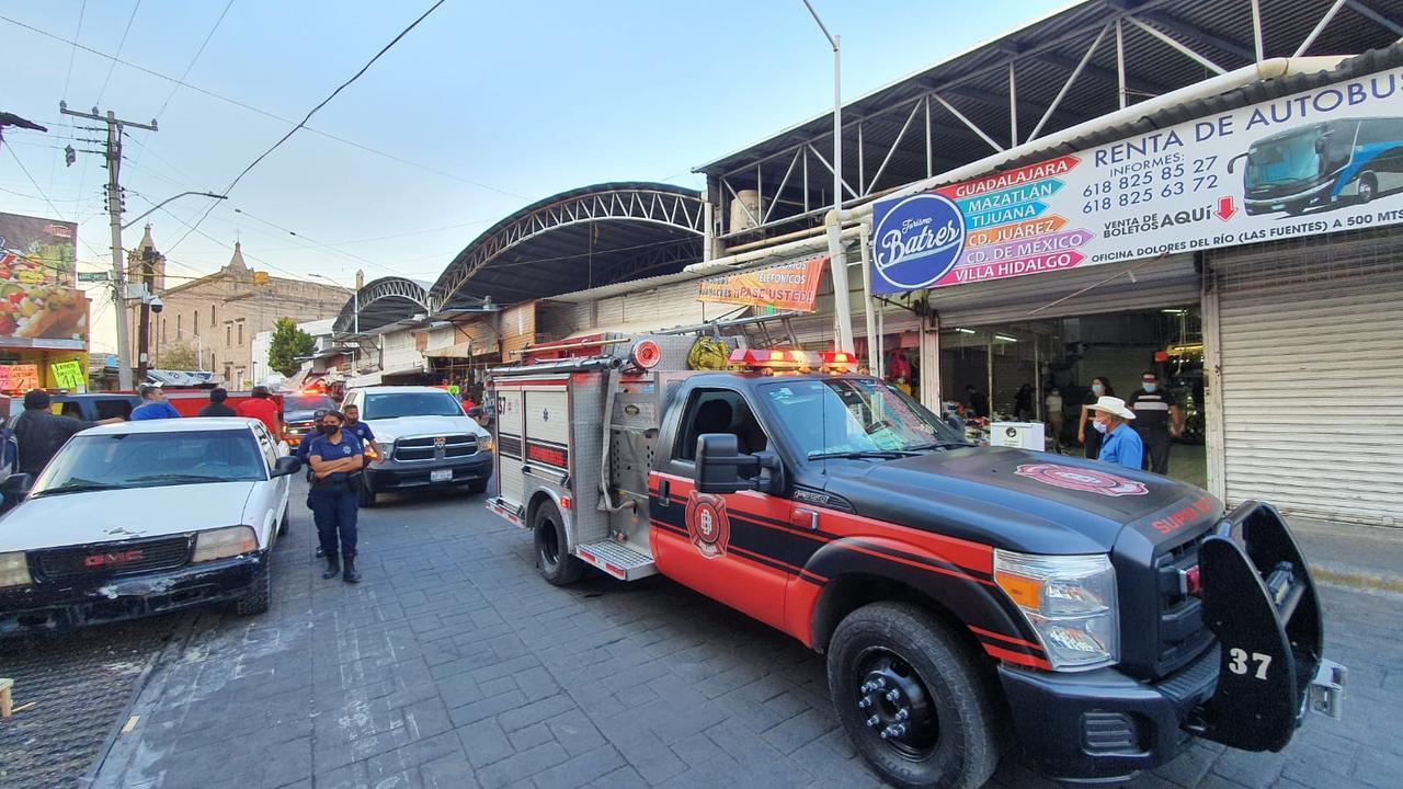 Bomberos atienden corto circuito en el Excuartel Juárez