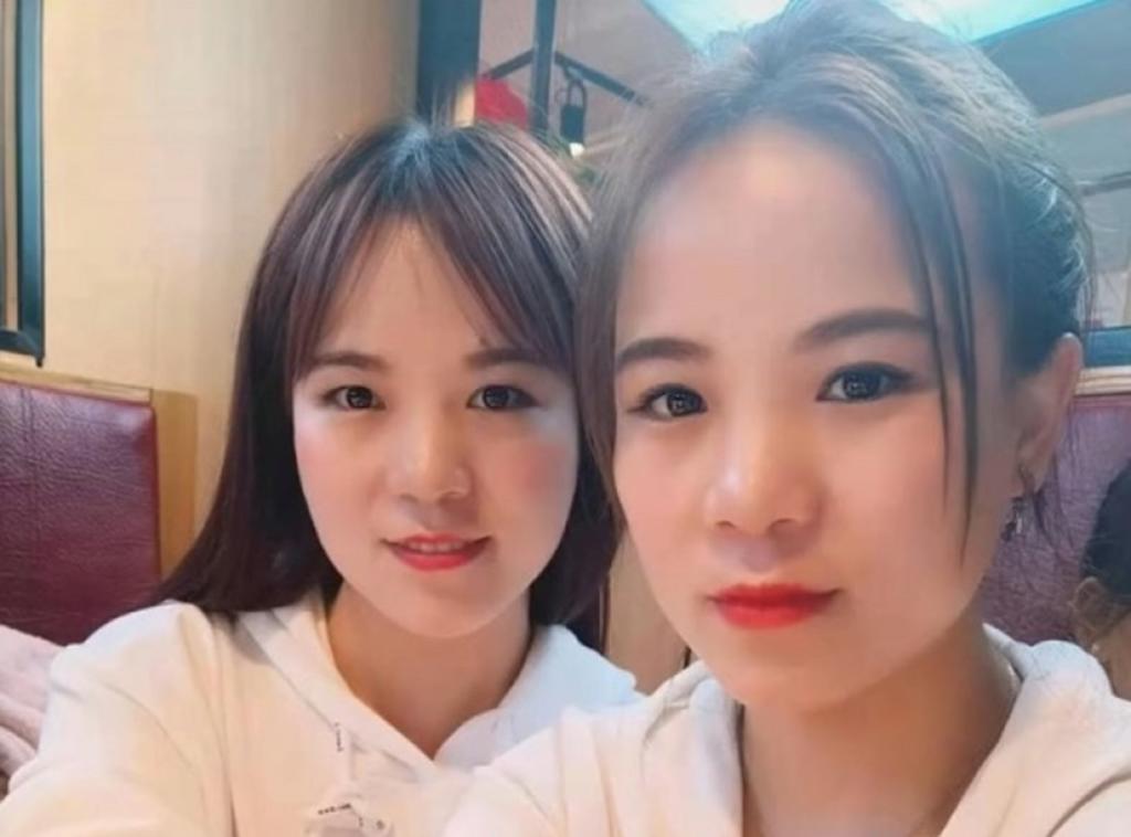 Se conocen en redes sociales, les sorprende su parecido y resulta que son gemelas