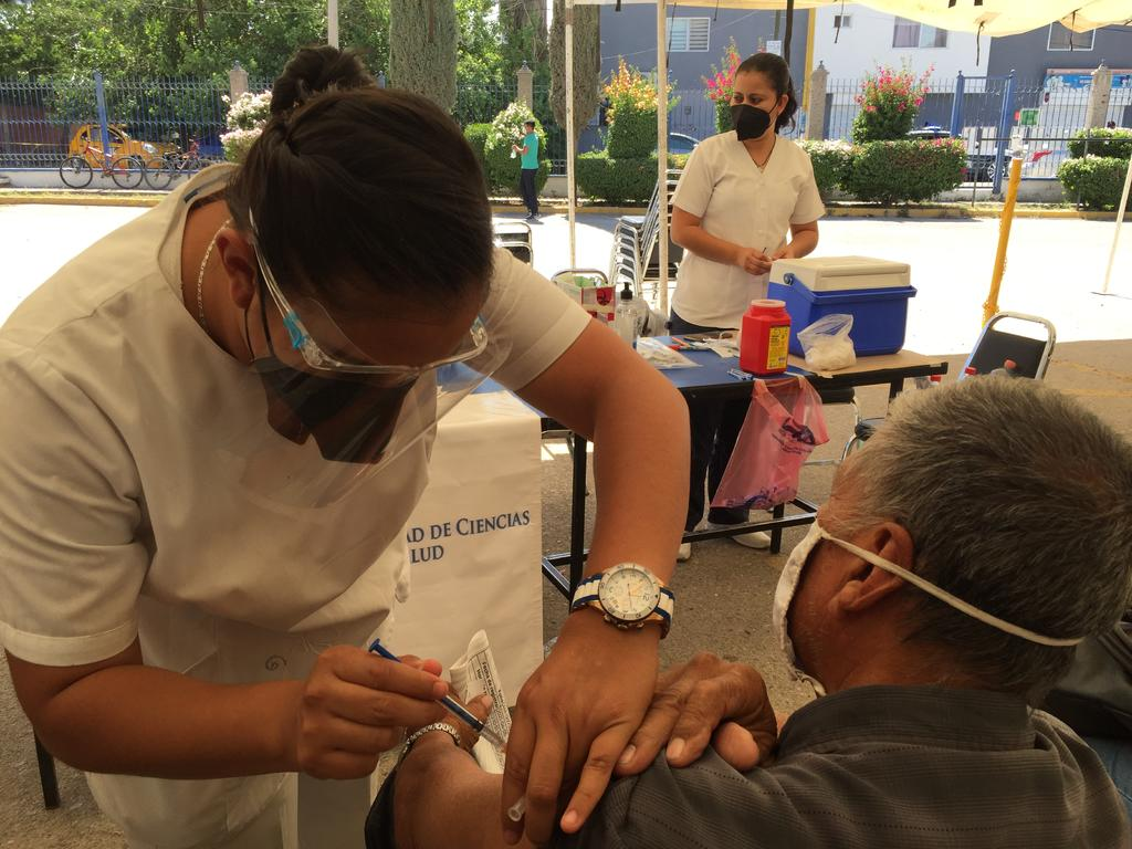 Martes arranca aplicación de segundas dosis contra COVID en Gómez Palacio