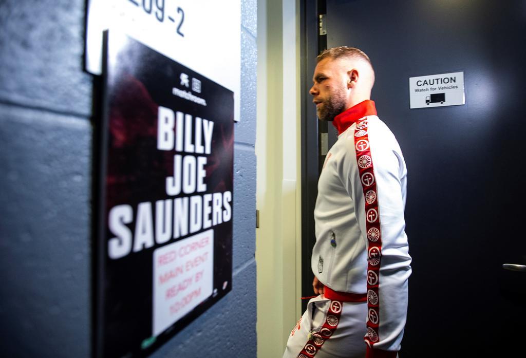 Joe Saunders envía mensaje tras ser operado