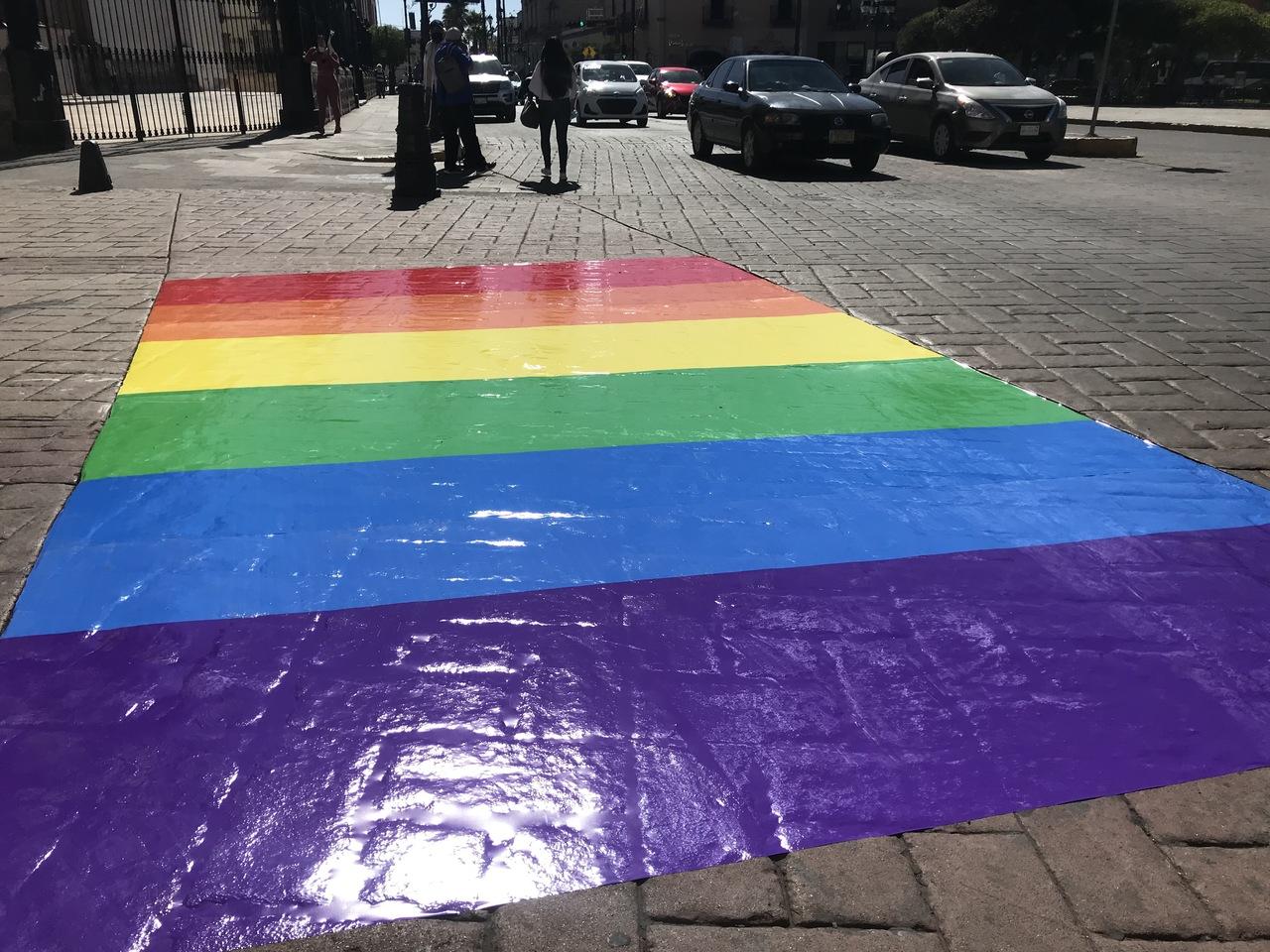 Aún luchan contra homofobia mundial