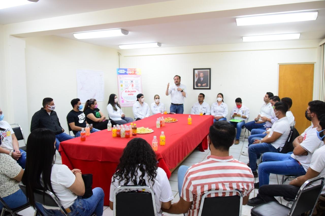 Más empleos para los jóvenes: Ricardo Pacheco