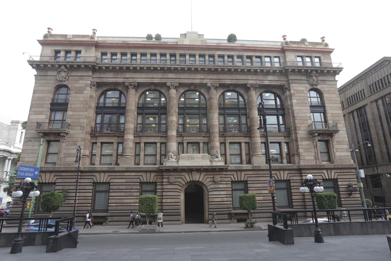 Sorprende cambio de titular en el Banco de México