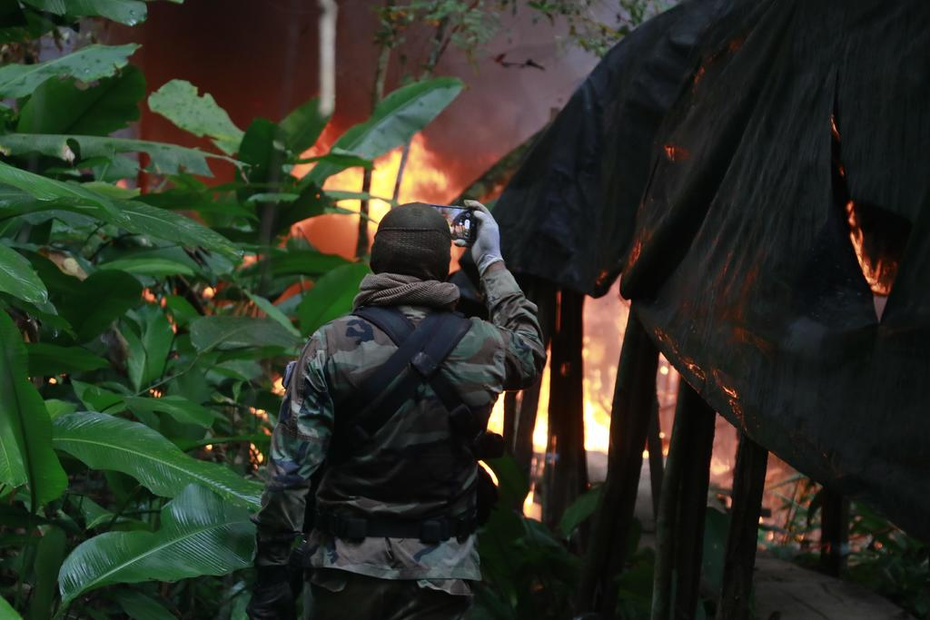 Destruyen 'meganarcolaboratorio' en Bolivia