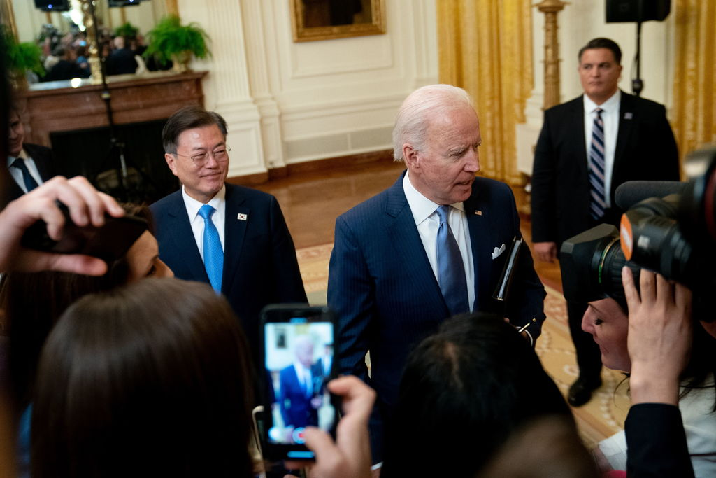 Va diplomacia silenciosa para Corea del Norte