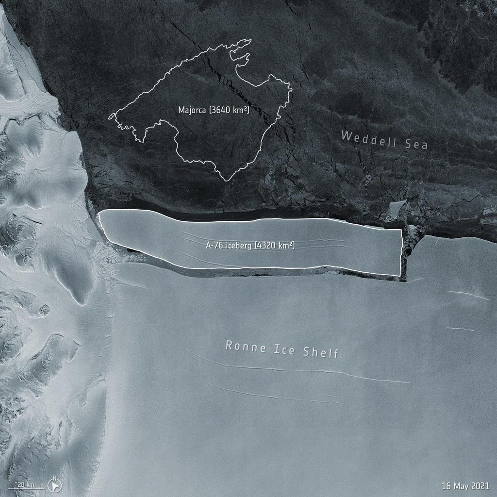Iceberg 40 veces del tamaño de París se encuentra flotando a la deriva en el océano