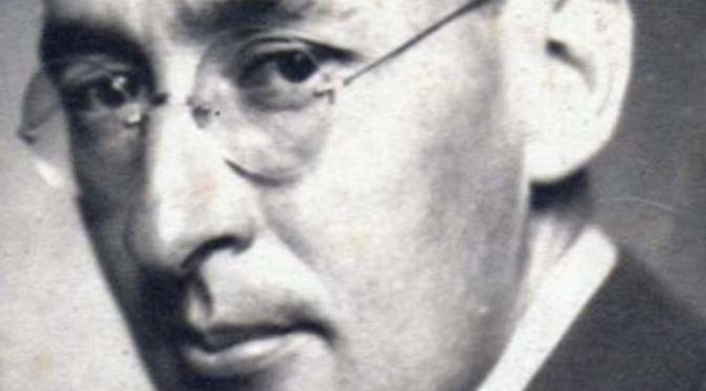 1889: Nace Julio Torri, célebre ensayista y prosista coahuilense de aguda inteligencia y perfección verbal