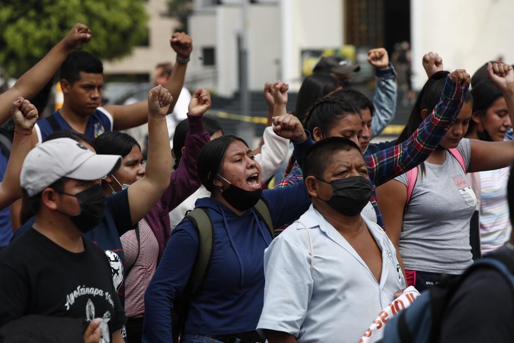 Liberan a normalistas detenidos en Chiapas