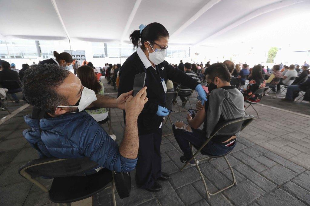 México acumula 228,146 decesos