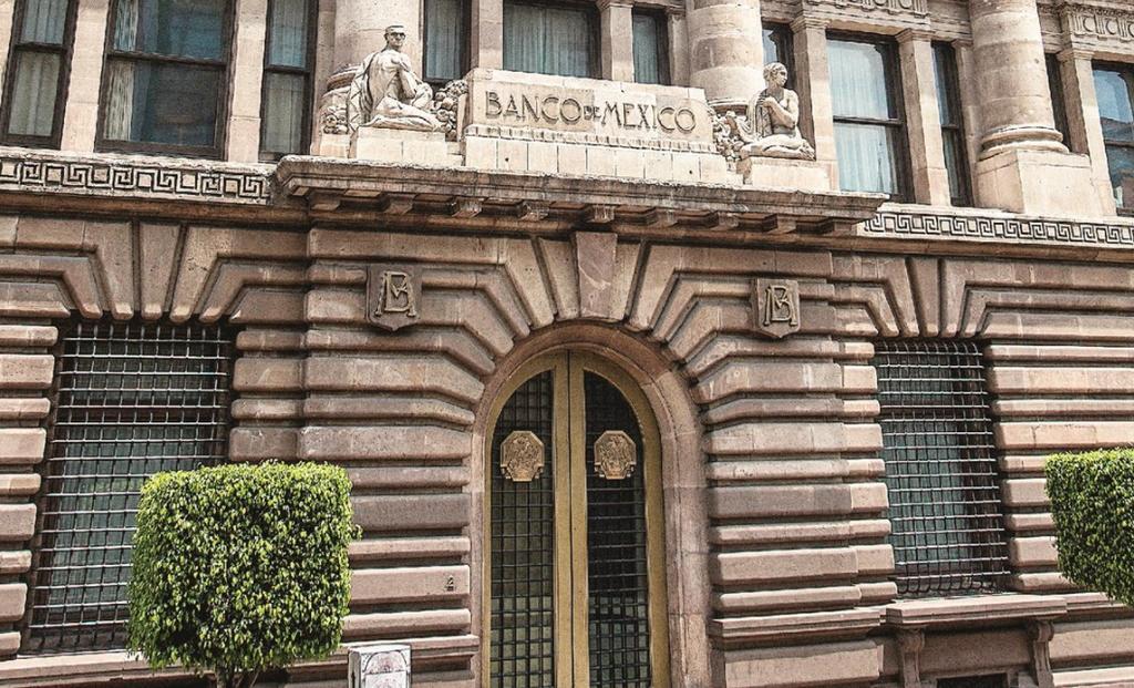 Celebra AMLO estimación de Banxico sobre crecimiento económico