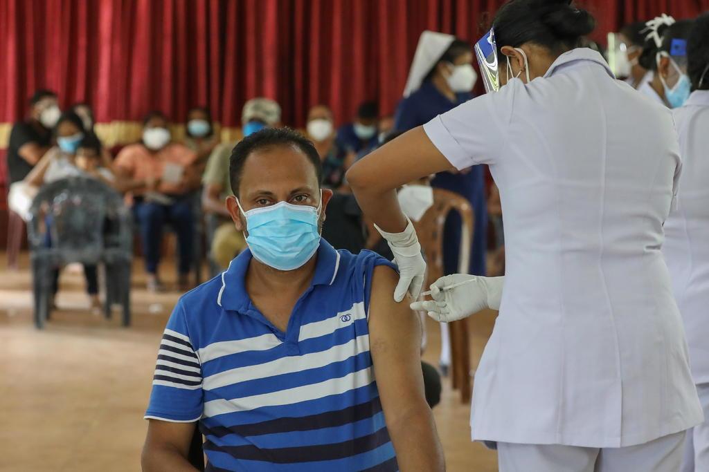 Aboga OMS por triplicar esfuerzos durante campaña de vacunación