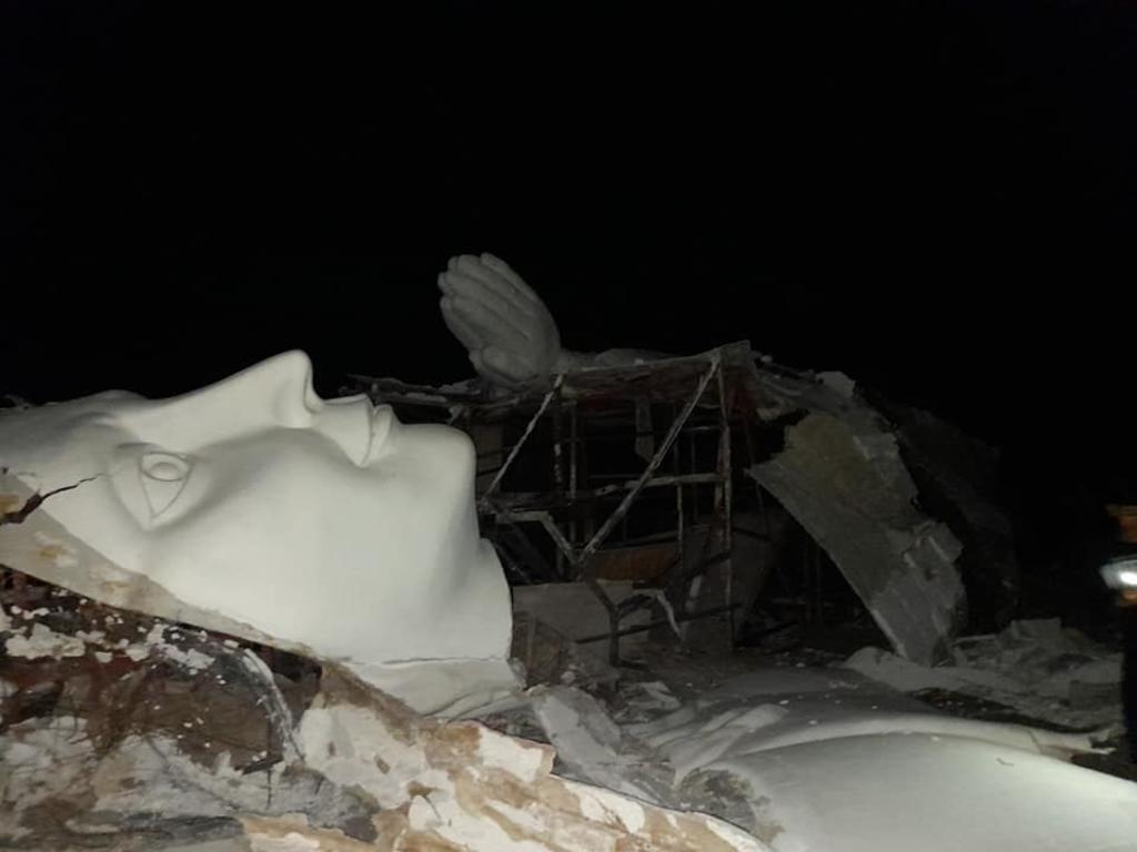 Cae estatua de 'La Virgen del Desierto' en Gómez Palacio