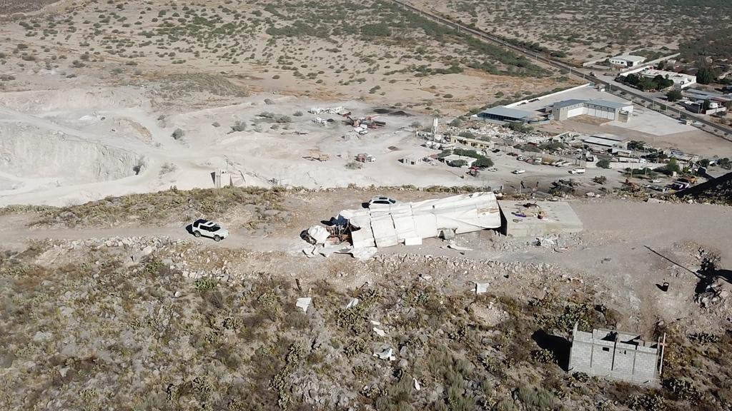 Cierran zona tras caída de la estructura de la Virgen del Desierto en Gómez Palacio