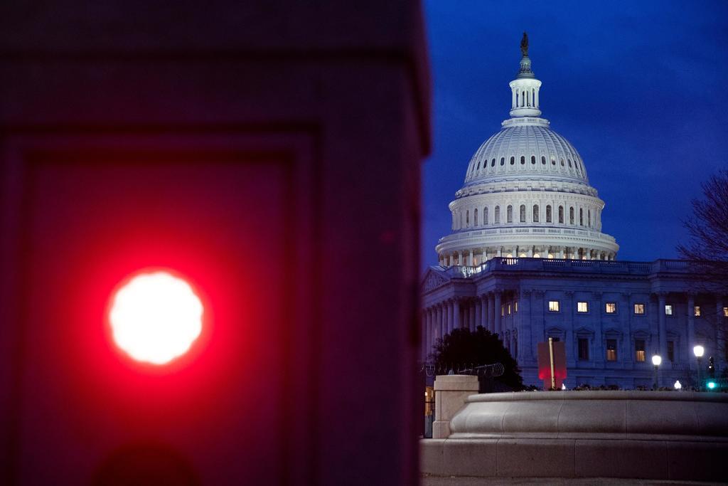 Republicanos rechazan proyecto de infraestructura