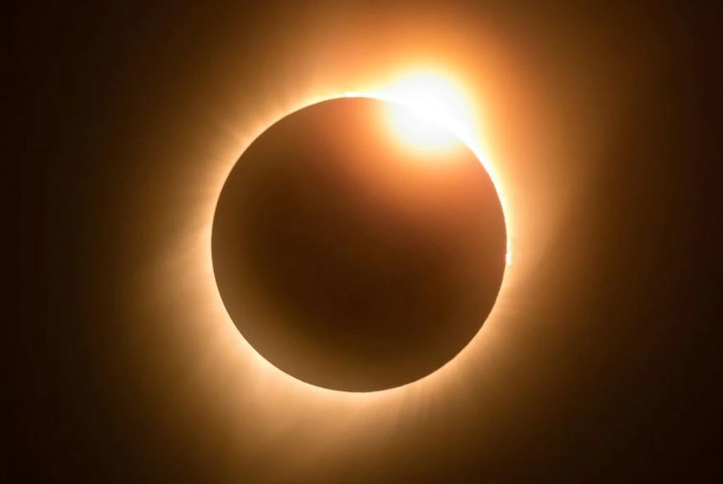 ¿Dónde, cuándo y cómo ver el próximo eclipse solar 'anillo de fuego'?