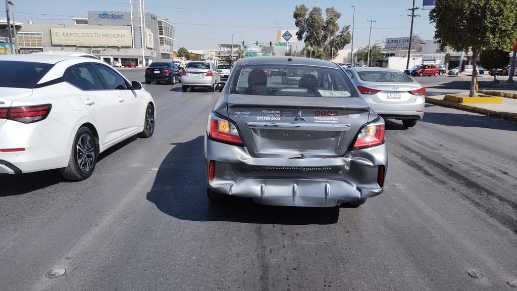 Choque por alcance en Torreón deja daños por 60 mil pesos