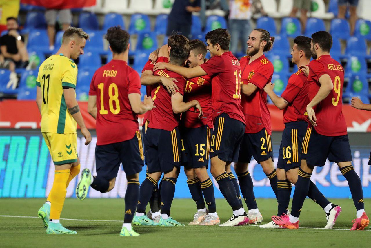 España aplasta a Lituania con un 4-0