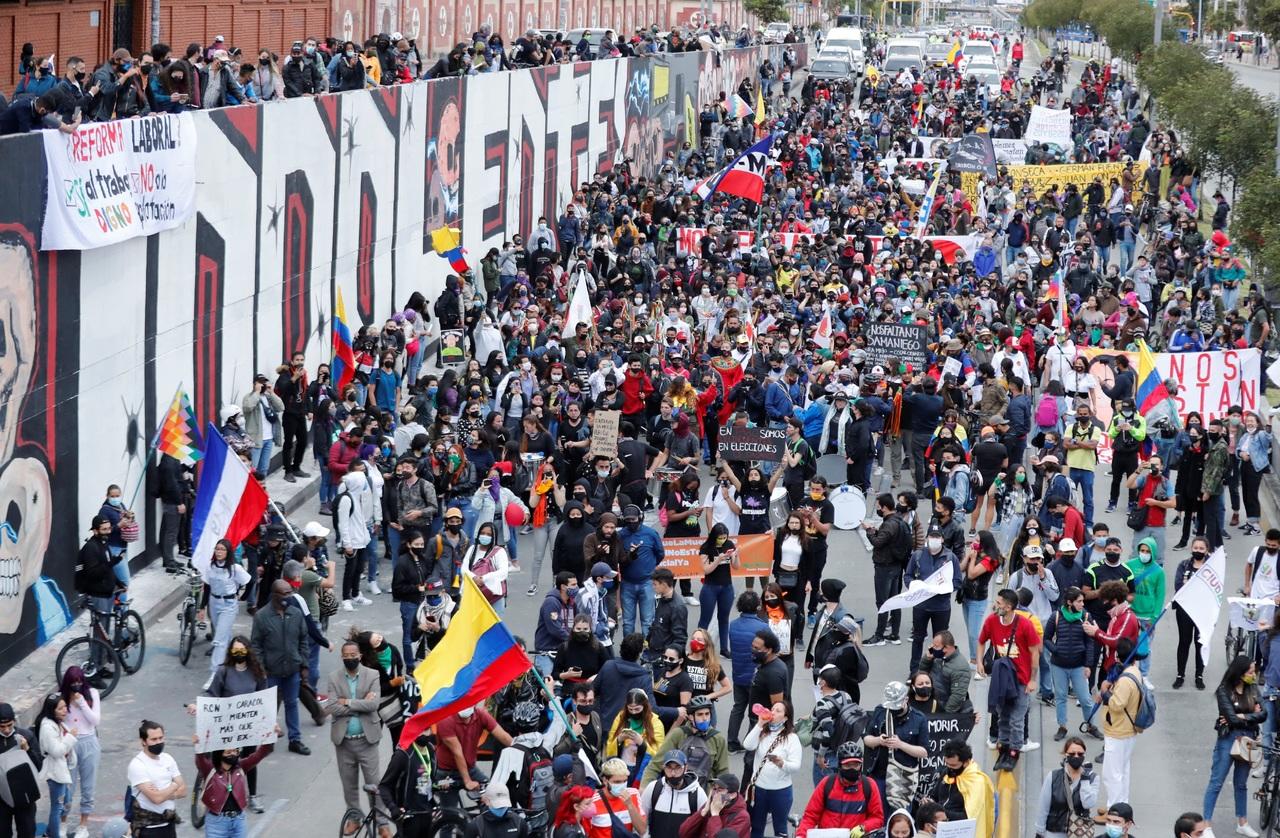 Denuncian 20 homicidios en protestas de Colombia