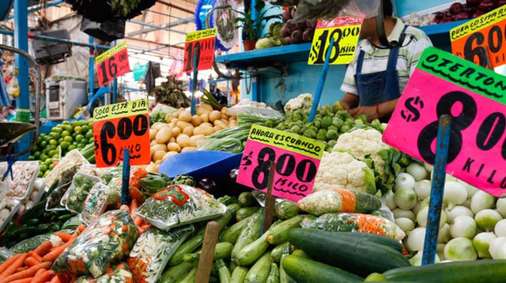 Precios al consumidor en México suben al 5.89 % interanual en mayo