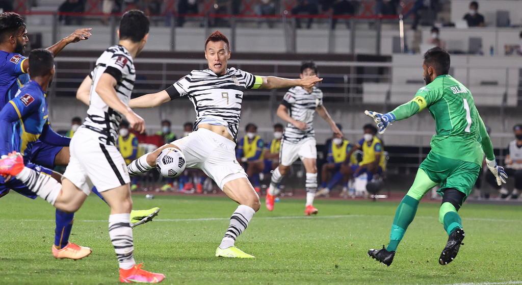 Kim Shin-wook anota su primer gol en victoria de Corea del Sur ante Sri Lanka
