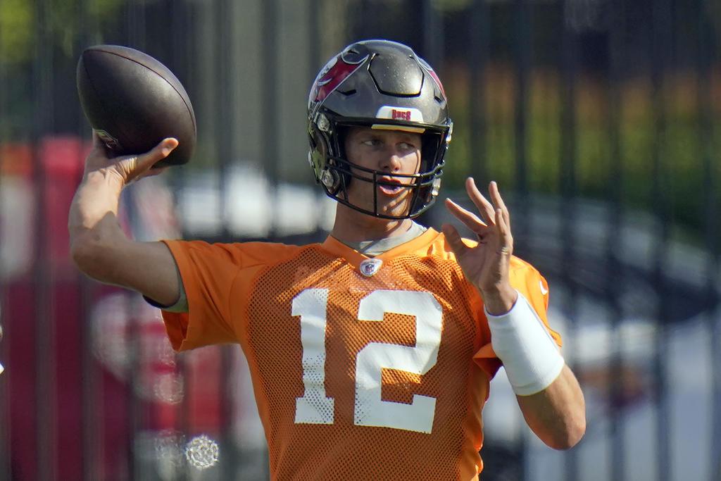 Tom Brady y los Bucs se enfocan en mejorar y refrendar el título del Super Bowl