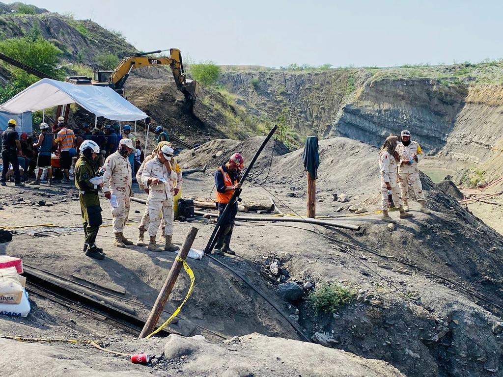 Rescatan cuerpo de sexto trabajador en mina de Múzquiz; falta uno