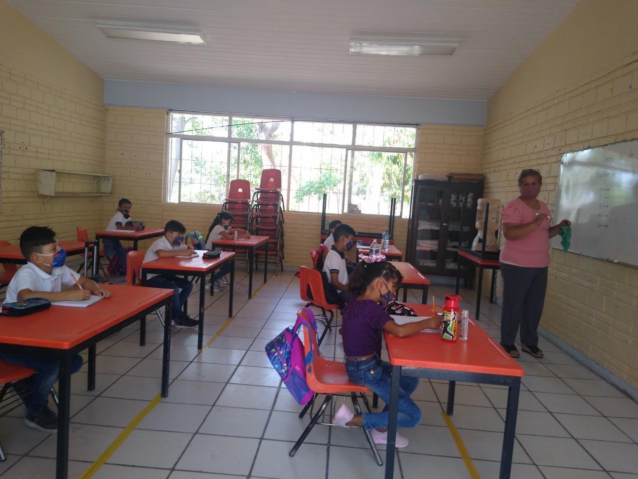 Uniforme escolar no será obligatorio en regreso a clases