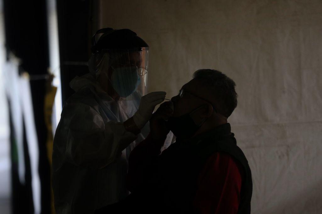 México suma 229 mil 578 muertes por COVID
