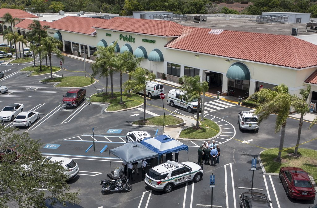 Tiroteo en Florida deja mujer y menor muerto