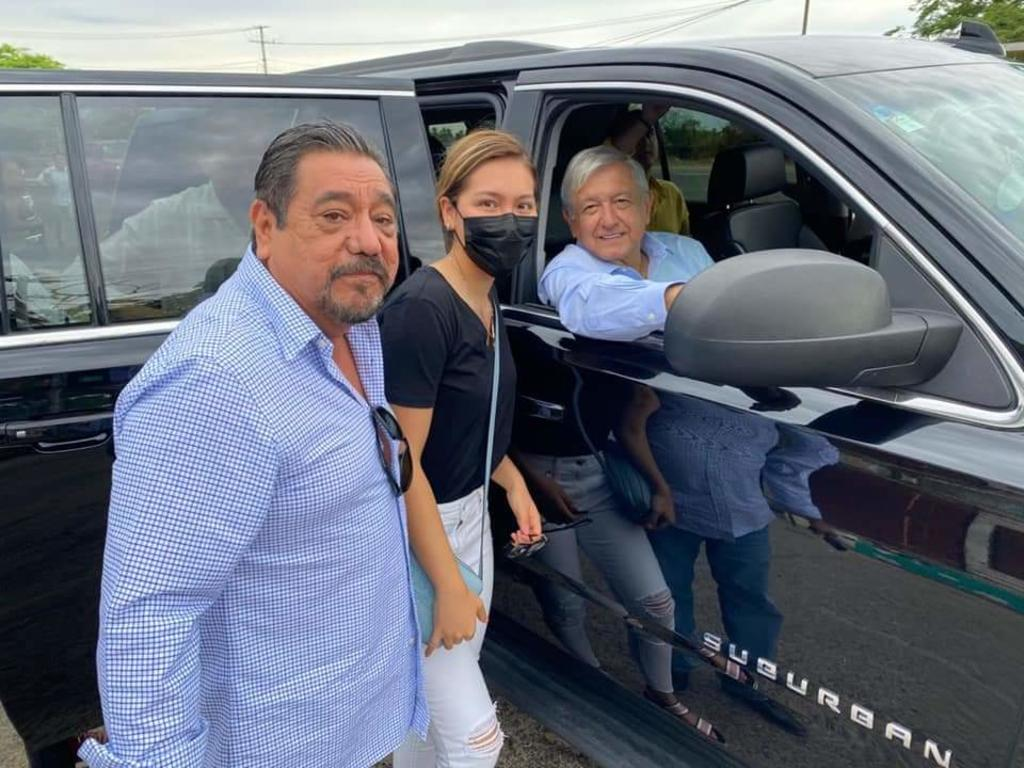 Félix Salgado Macedonio corre para saludar a AMLO en Acapulco