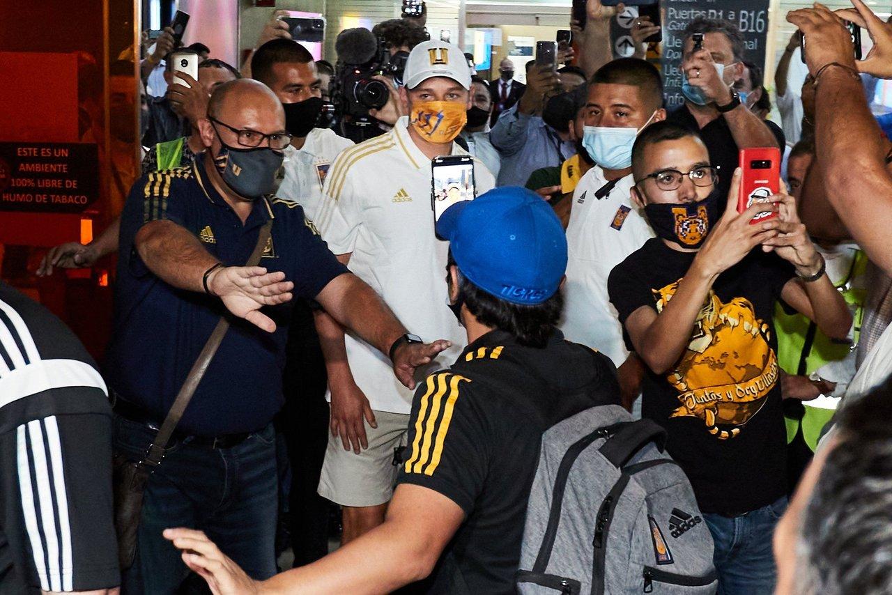 Así recibieron a Florian Thauvin en el aeropuerto de Monterrey