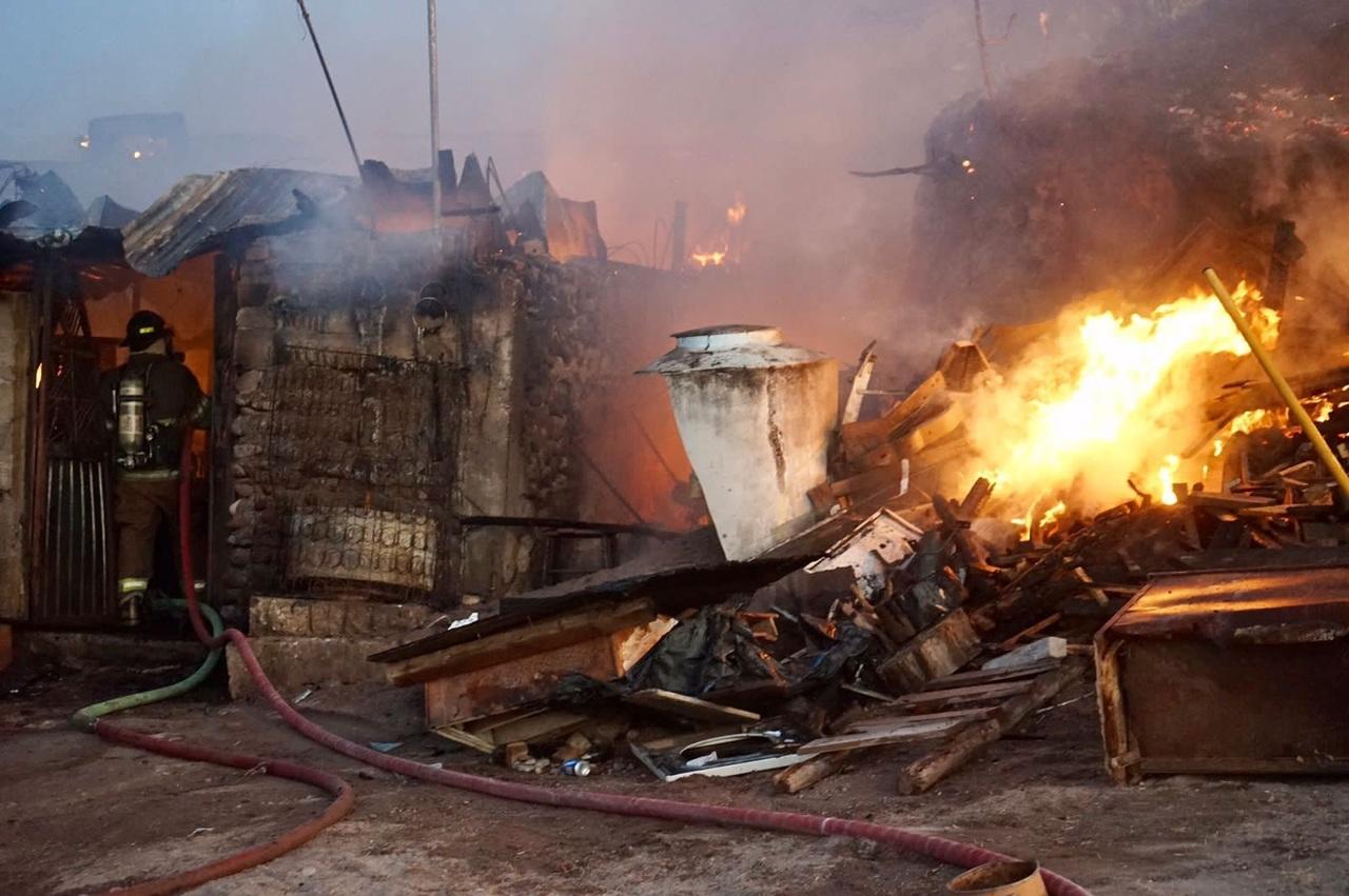 Familia pierde todo tras incendio en Santiago Papasquiaro