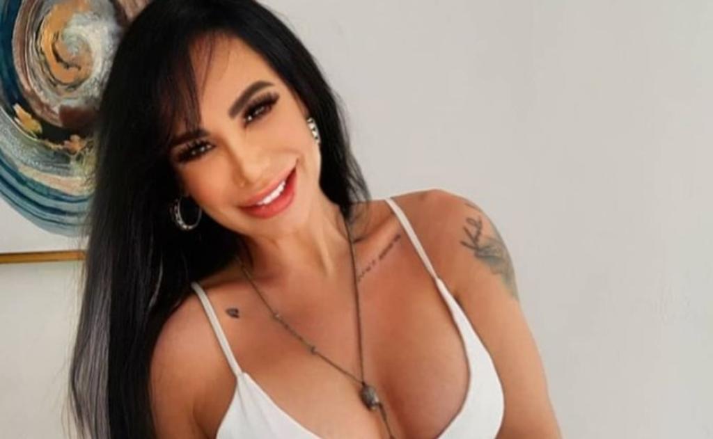 Lis Vega 'presume' el tatuaje de su pecho
