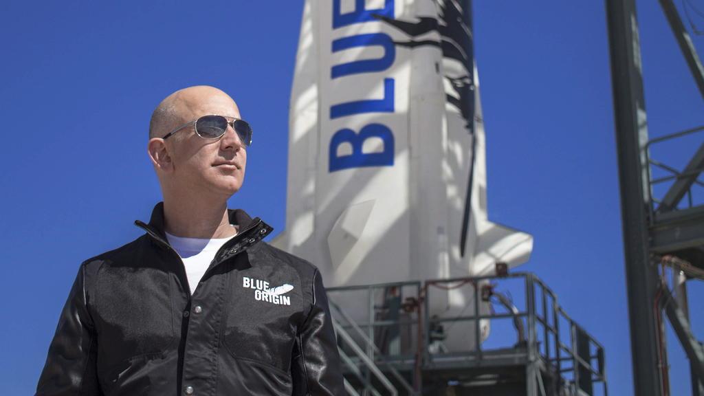 Pagan 28 millones de dólares por viajar al espacio con Jeff Bezos