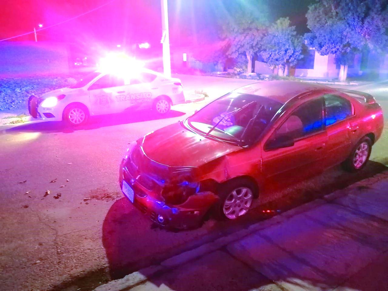 Abandonan auto siniestrado en Gómez Palacio