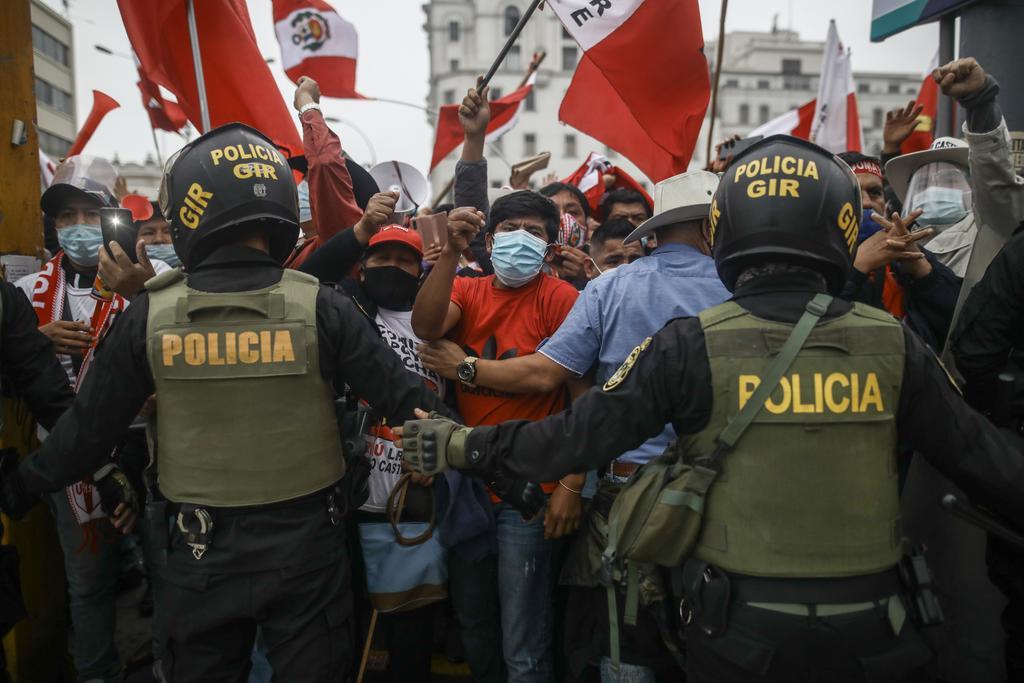 Perú mantiene tensa calma por comicios