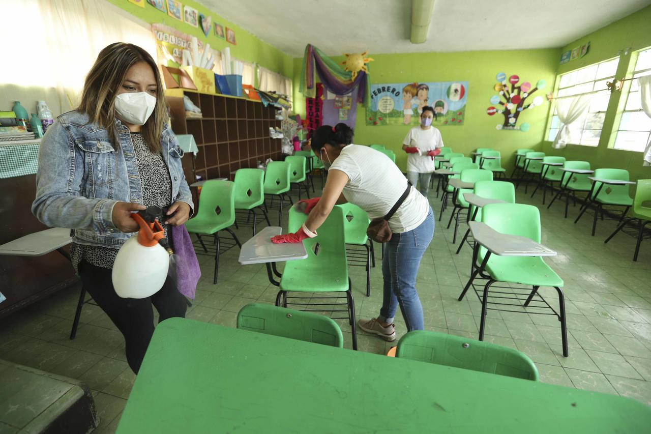 Mañana regresan alumnos de 100 escuelas en Durango