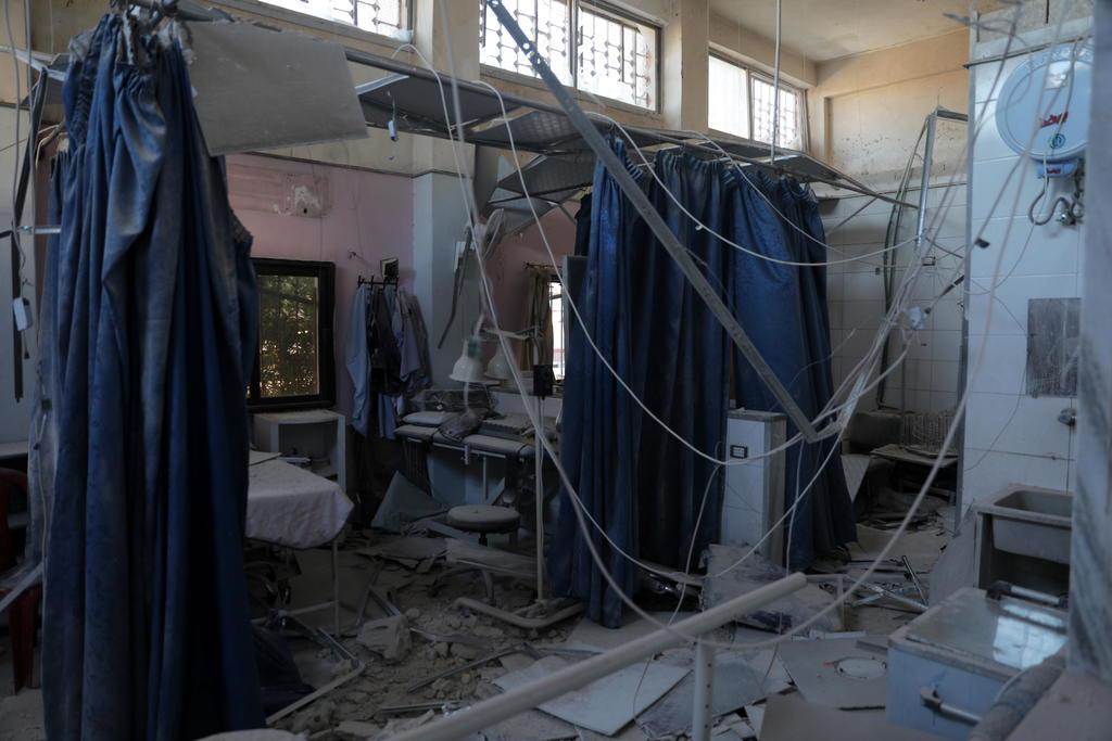 Atacan hospital; mueren 15