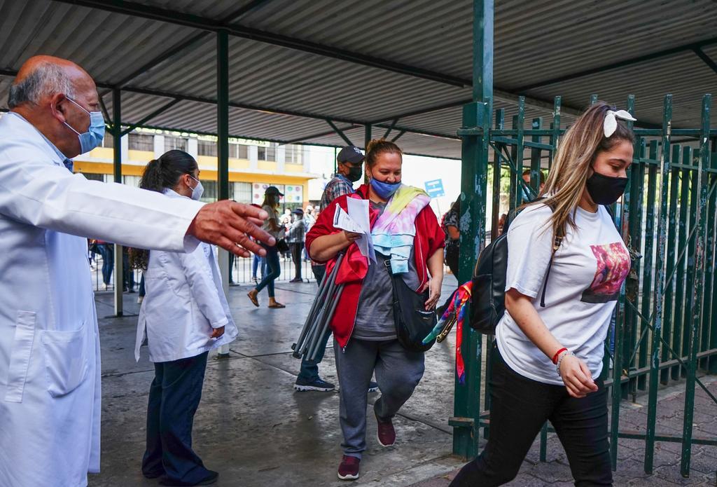 México suma 230 mil 959 fallecimientos por COVID-19
