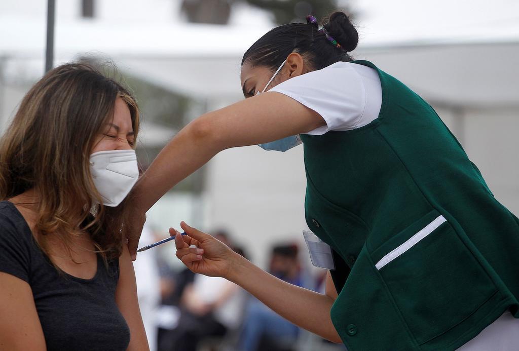 Gobierno de CDMX anuncia que se mantiene en verde, Salud la cambia a amarillo