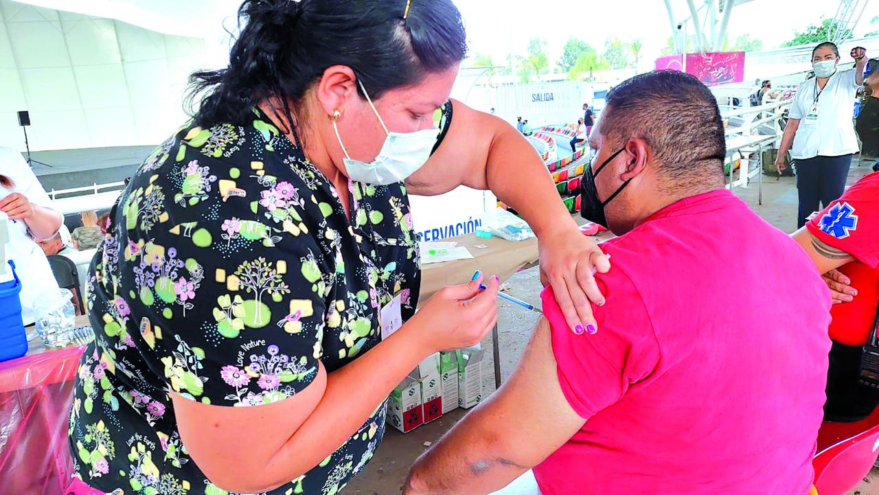 Reinicia vacunación Covid para sector 50-59 años en Durango