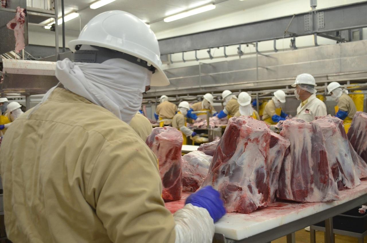 Intentarán bajar precios de pollo, res y cerdo