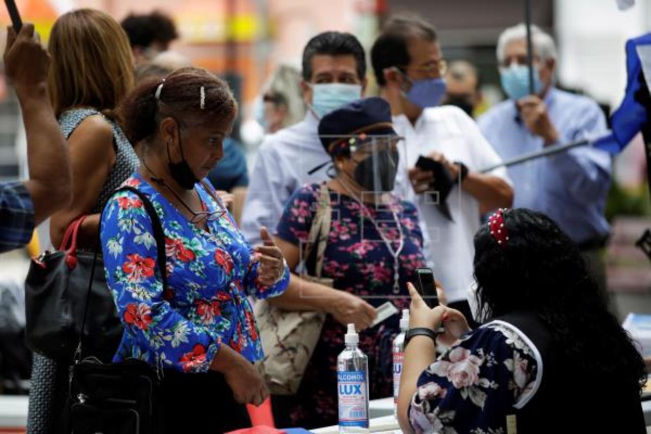 Recogen firmas para reformar la Constitución de Panamá