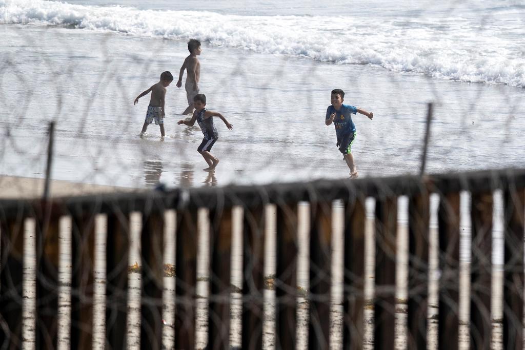 Unicef lanza un programa para ayudar a niños latinos en la frontera entre Estados Unidos y México