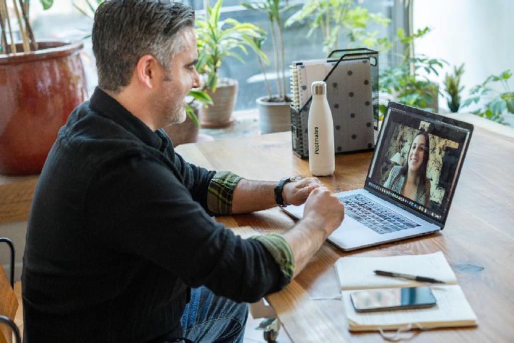 ¿Cómo lograr una entrevista de trabajo exitosa en línea?