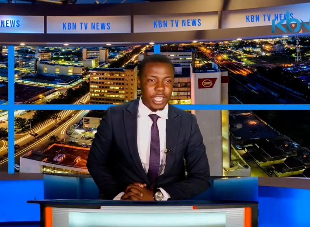 Presentador de noticias se queja de su salario durante programa