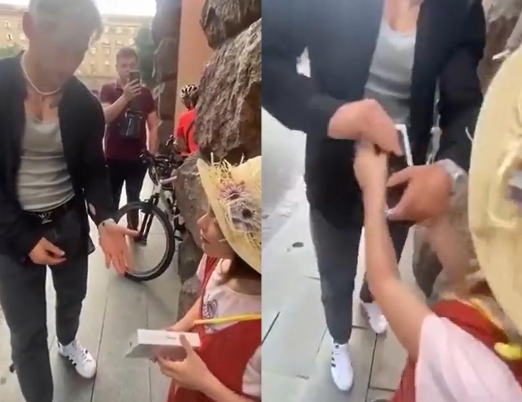 'Tiktoker' le obsequia iPhone a una niña y se lo quita al dejar de grabar