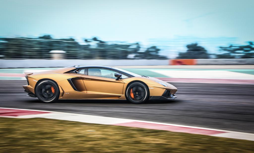 Conoce los cuatro automóviles más rápidos del mundo