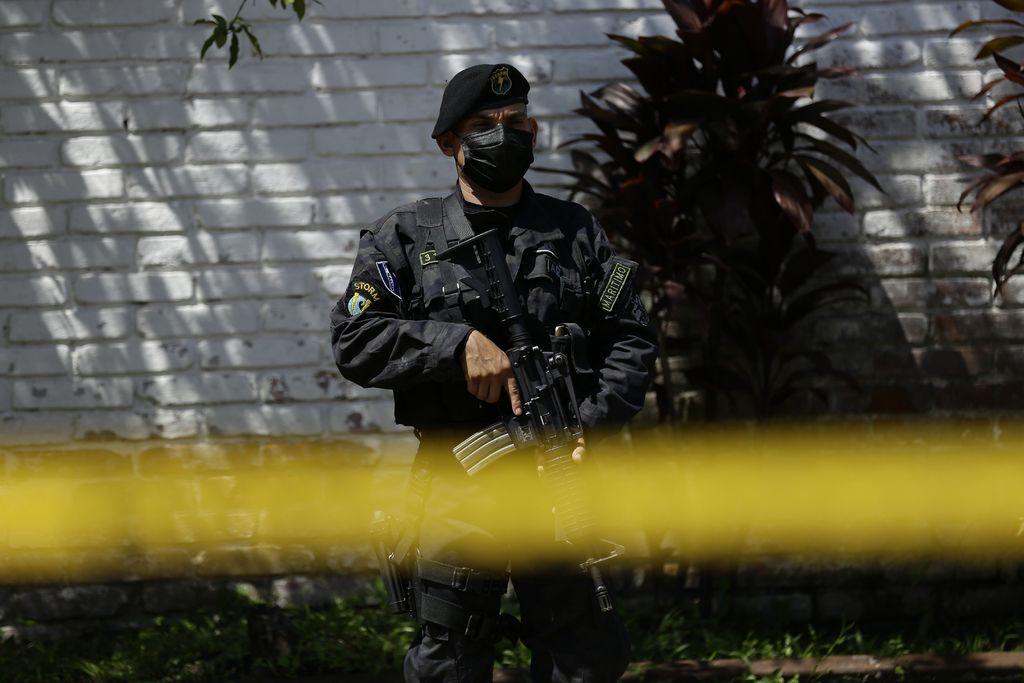 Fiscalía de El Salvador va contra funcionarios ligados a pandillas