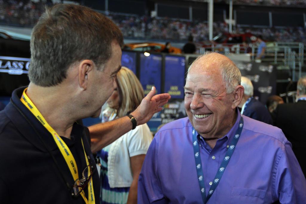 El piloto cinco veces campeón de NASCAR Jack Ingram muere a los 84 años